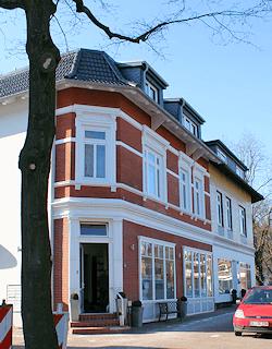 in Hamburg Lokstedt malt Maler Boller gern