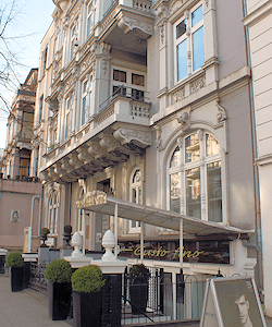Hamburg Uhlenhorst - Etagenhaus mit Ladengeschäft